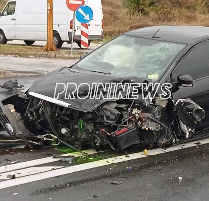 Μετωπική σύγκρουση 2 οχημάτων στην Πετροπηγή  με ένα νεκρό  (φωτογραφίες)