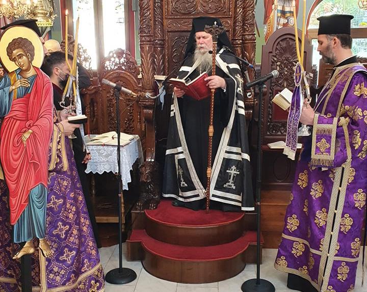 Στην εκκλησία του Τιμίου Σταυρού ο Μητροπολίτης Στέφανος (φωτογραφίες)