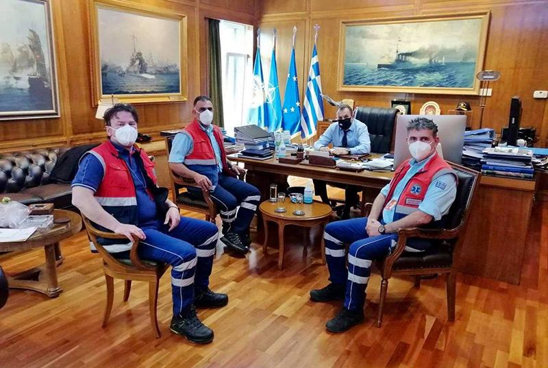 Προσωπικό του ΕΚΑΒ Καβάλας συνάντησε το Νίκο Παναγιωτόπουλο (φωτογραφίες)