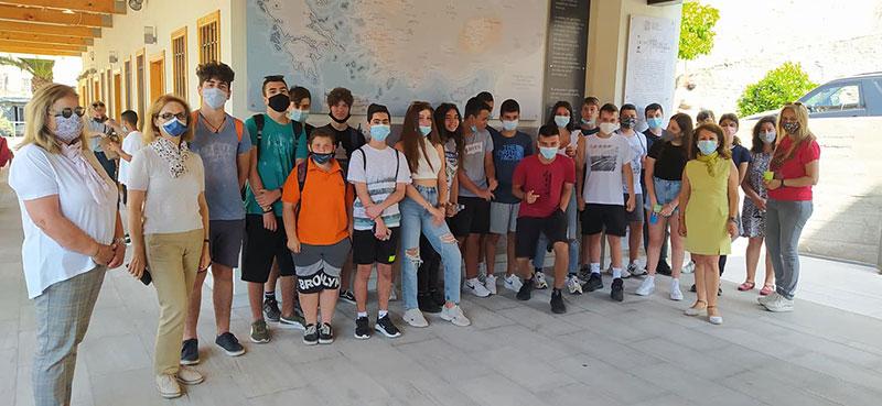 Ο σύλλογος Μικρασιατών υποδέχεται μαθητές στο μουσείο του