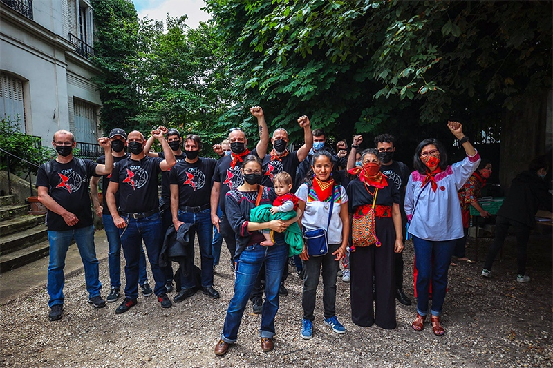H άφιξη της Ζαπατίστικης ομάδας εορτάζεται στηΓαλλία (φωτογραφίες)
