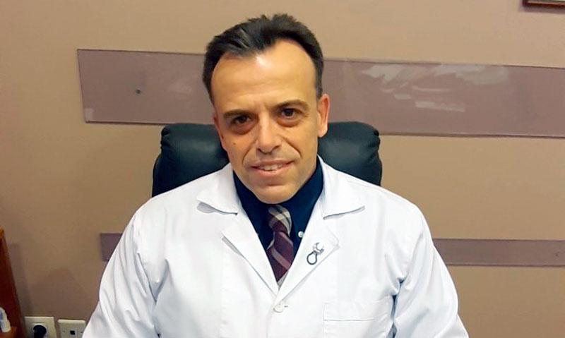 """Μιχάλης Σωτηρόπουλος για παρέλαση: """"Ακόμα και 40′ συνωστισμού είναι αρκετά για να φουντώσει η επιδημία Covid"""""""